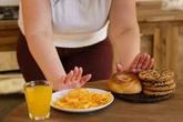 Giật mình vì cân nặng tăng khủng khiếp, chuyên gia chỉ rõ không phải do ăn nhiều mà đây mới là 'thủ phạm giấu mặt' khiến bạn tăng cân
