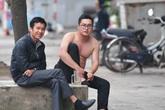 """Hà Nội vẫn có quán trà đá, vẫn """"tụm năm tụm ba"""" khi hạn cách ly toàn xã hội chưa hết"""