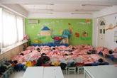 Cô giáo mầm non gửi ảnh các bé ngủ ngoan cho phụ huynh, ai ngờ bị phản đối vì 1 lý do