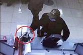 Truy bắt nghi can cướp chi nhánh ngân hàng Techcombank ở Hà Nội