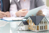 Bất động sản lao đao vì COVID-19, đây có phải thời điểm vàng để các cặp vợ chồng mua nhà giá rẻ?