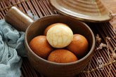 Cách ngâm trứng gà có hình vân đá cẩm thạch đẹp hút hồn
