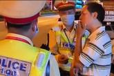 Quảng Bình: Cán bộ thuế say rượu thách thức CSGT