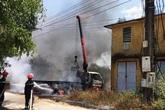 Nghệ An: Xe tải cẩu vướng dây điện bốc cháy, tài xế tử vong tại chỗ