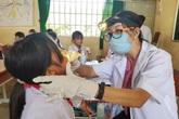 Bạch hầu tăng từng ngày, 7.500 cán bộ y tế tiêm vaccine phòng bệnh