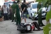 Nghệ An: Đang đi trên đường, một phụ nữ bất ngờ bị đâm tử vong