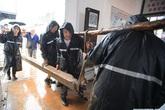 """""""Số nhọ"""" như Vũ Hán: Dịch bệnh chưa qua, lũ lụt đã đến, người dân oằn mình chịu đựng"""