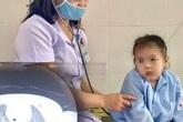 Bé 3 tuổi ho, khó thở không ngừng vì nút bấm điều khiển nằm trong khí quản