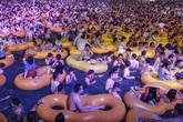 Vũ Hán từ 'thành phố ma' tới đại tiệc nước nghìn người