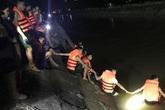 Vụ xe máy chở 3 cháu nhỏ rơi xuống kênh nước: Tìm thấy thi thể người ông