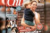 Công nương Kate 'gây sốt' MXH bằng khoảnh khắc rời xe hơi, bế con trai út đi bộ giữa dòng người đông đúc lúc gặp cảnh tắc đường