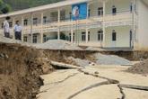 Trường tiểu học sạt lở, hơn 100 học sinh phải đi học nhờ