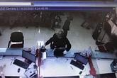 Nghi phạm nổ súng cướp ngân hàng ở Sóc Sơn ra đầu thú