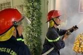 Nhà bốc cháy khi đang tổ chức tang lễ