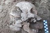 Hãi hùng thi thể em bé 1.500 tuổi bị nghi chôn theo hình thức của ma cà rồng