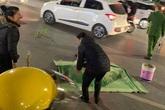 Hà Nội: Cụ bà đi bộ qua đường bị xe máy tông tử vong