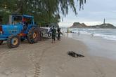 2 du khách bị cuốn trôi khi đi tắm biển ngày đầu năm