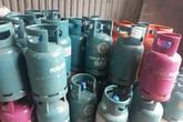 """Giá gas tăng vọt lên gần 400.000 đồng/bình khiến người tiêu dùng """"choáng váng"""""""