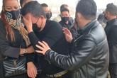 Nghệ sĩ nghẹn ngào trong phút cuối tiễn biệt Vân Quang Long