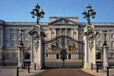 Nhân viên phục vụ ngồi tù vì trộm đồ của Cung điện Buckingham rao bán trên eBay