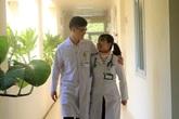 Vợ chồng bác sỹ cùng chống dịch COVID-19 ở Quảng Ninh: Không dám hẹn ngày về
