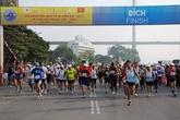 Quảng Ninh: Thắm tình hữu nghị Giải Marathon quốc tế Vịnh Hạ Long 2013