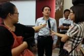 TPHCM: Nhiều thí sinh bị đình chỉ thi vì mang điện thoại di động vào phòng