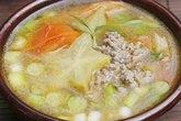 Chua ngọt hấp dẫn canh thịt bò nấu khế xanh