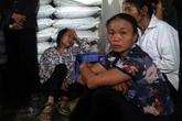 Người mẹ chết lặng khi con 2 tuổi bị hàng xóm sát hại