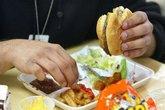 3 thực phẩm gây trầm cảm