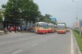 Huy động 20 xe buýt để dằn mặt đối thủ