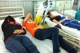 Hơn 100 người quằn quại nhập viện sau bữa cơm chiều
