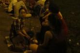 """Chợ tình """"ôsin"""" ở Sài Gòn"""