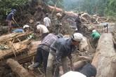 Vợ ôm xác chồng khóc ngất sau vụ lở núi chết 4 người