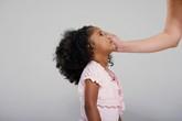 9 dấu hiệu cho thấy bạn đang quan tâm con quá mức