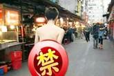Những màn khỏa thân trên đường gây chú ý