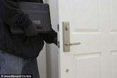 Chết cười trộm trả lại đồ ăn cắp và viết thư xin lỗi
