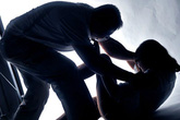 Bố dượng cưỡng hiếp con gái 13 tuổi lĩnh án 10 năm tù