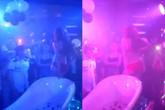 """Xôn xao màn tắm sữa """"gợi dục"""" trong quán bar ở Hà Nội"""