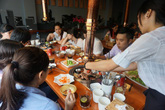 8x mở quán nhậu dành riêng cho phái nữ kiểu Hàn Quốc