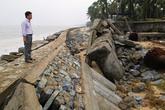 2km kè biển bị sóng đánh tan ở Quảng Bình