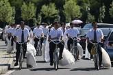 Độc đáo 16 cặp đôi tổ chức đón dâu bằng xe đạp