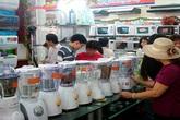 Đầu mùa nóng, hàng giải nhiệt tăng giá vẫn nườm nượp khách