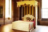 Chiếc giường Hoàng gia của đại gia Lê Ân có giá trị lên tới  6 tỷ đồng khi về Việt Nam