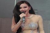 Angela Phương Trinh sửng sốt trước lệnh bị cấm biểu diễn
