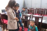 Hai cháu bé bị người tình của mẹ bắt cóc