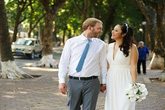 Ngô Phương Lan khoe ảnh cưới xinh đẹp bên chồng Tây