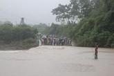 Vụ xe ô tô bị cuốn trôi tại Nghệ An: Vẫn chưa tìm thấy chiếc xe và thi thể các nạn nhân
