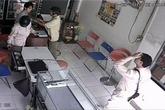 Nam thanh niên bị dàn cảnh lấy trộm Macbook