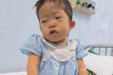 Bé 3 tuổi từng bị bỏ rơi tím tái không thể phẫu thuật được